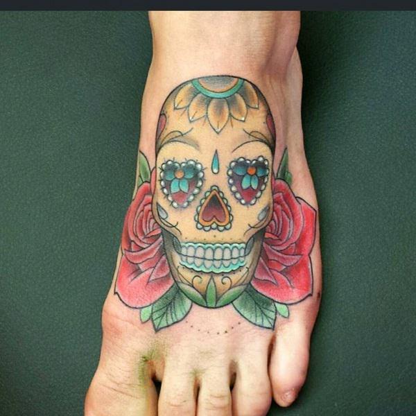 35a255d3 Golden skull addition on foot. skull-tattoos-10121542