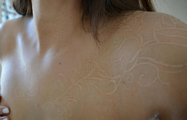 white-ink-tattoos- 12111535