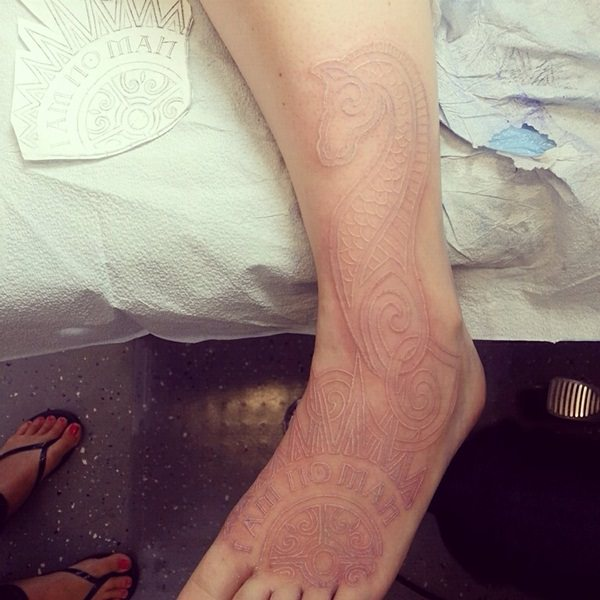 white-ink-tattoos- 12111549