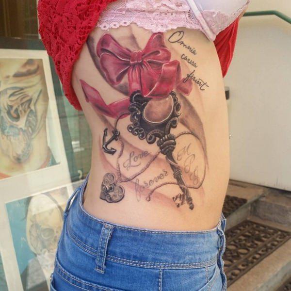 39241115-rib-tattoos